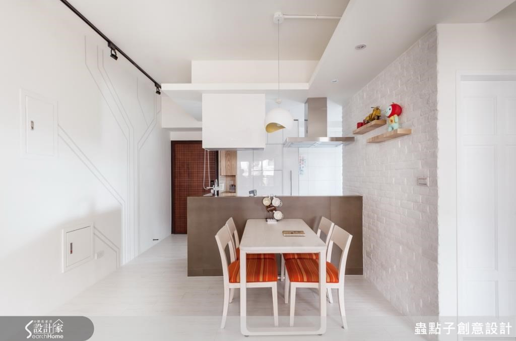 牆壁電箱利用油漆噴樹作畫修飾,把本來屋子的缺點變成最美的裝置藝術。