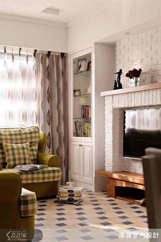葉子圖案的落地窗簾,呼應原味鄉村風格。