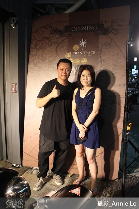 Urban Trace 於 2014/9/6 開幕當日林志隆設計師與漂亮家居總編輯合影。