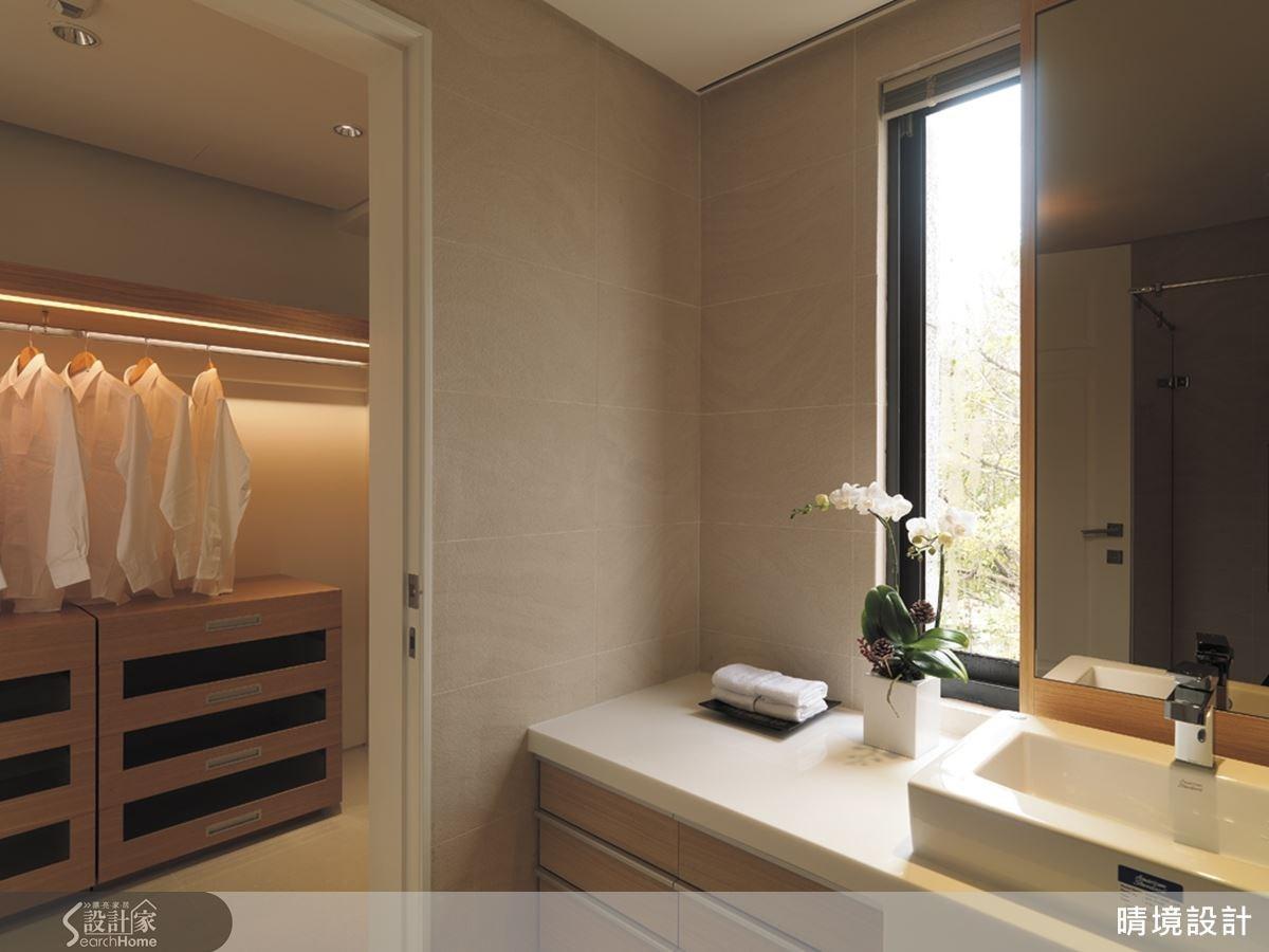 更衣室與衛浴空間的動線一氣呵成,讓生活起居更加流暢便利。