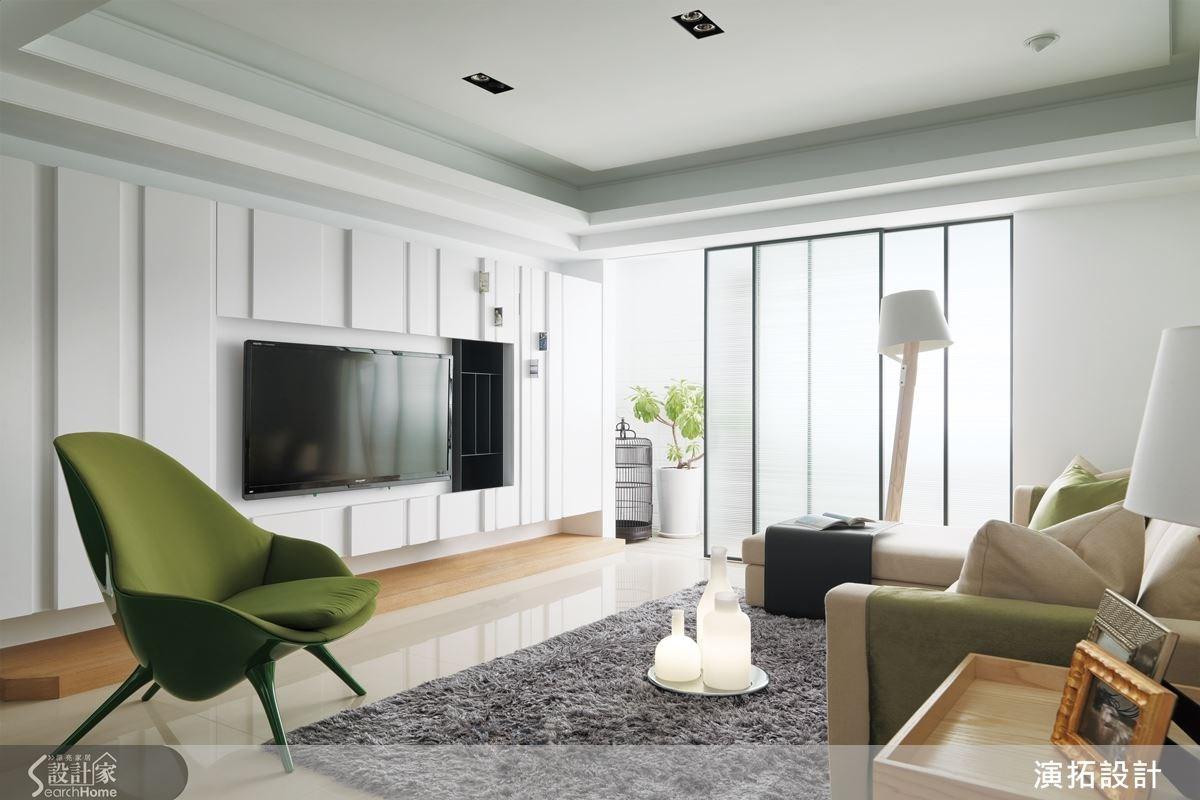 以現代感且耐候性佳的素材,加上流暢的格局動線安排,讓原本陰暗、蟲蛀、壓迫感十足的老屋,變身現代時尚住宅。