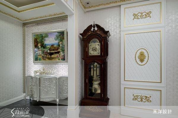 不妨選些具有古典風的物件,就能輕鬆打造讓人一進門就驚豔的玄關空間。