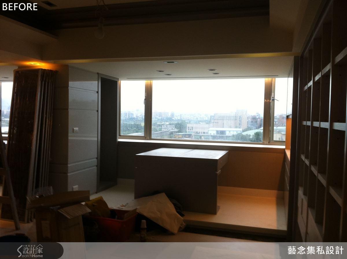這是施工中的共讀區域,透過地板架高的方式來做為客廳與此區域的界定。