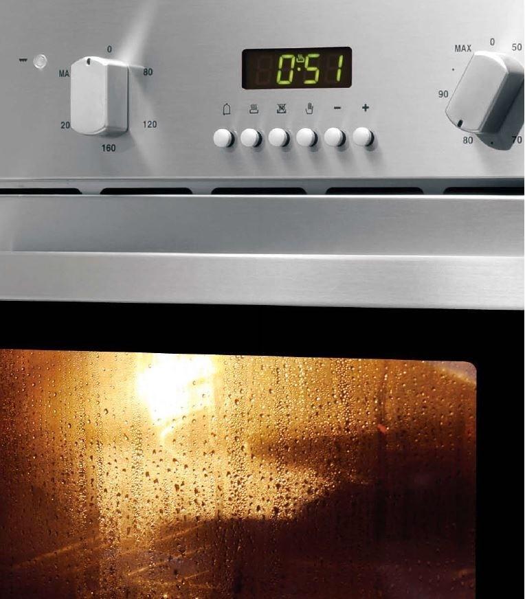又或者可選擇可蒸可烤的蒸烤爐,可大大降低料理中的油煙。圖片提供_世磊實業