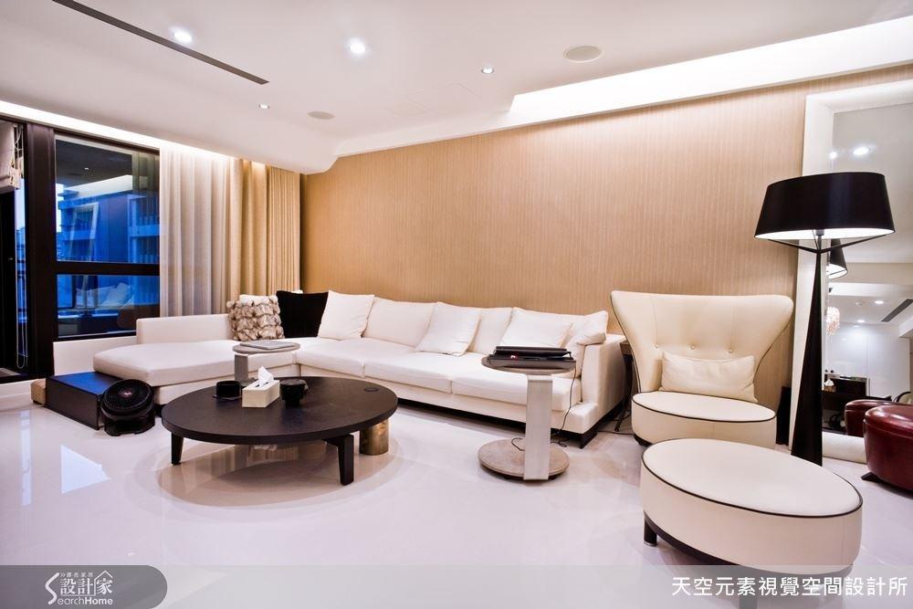 以黑框搭配白色,與整體空間的建材色系、主題相呼應。