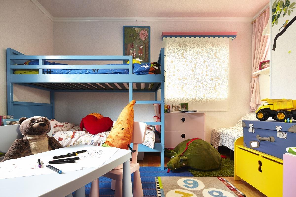 透過改造,將兒童房變為具完整收納、開心遊戲、成長學習的多功能空間。
