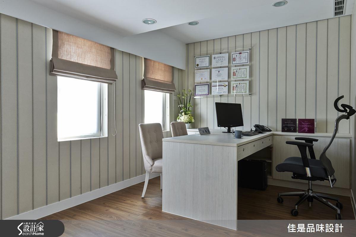 院長室的風格則相對較為俐落大方,讓人感受到穩重溫和的氛圍,與院長及整體團隊的專業醫療形象達成完美呼應。