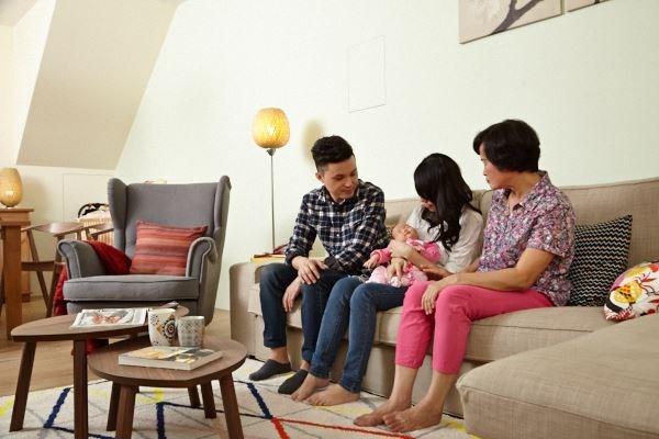 一樓的公共區域,變成全家人快樂生活相聚空間,也為剛出生的寶貝女兒打造一個安全活動的場域。  圖片提供_IKEA
