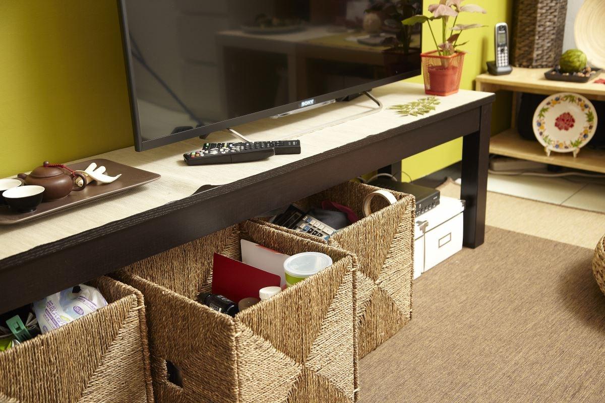 搭配家具家飾:BJURSTA 長凳、DINERA 餐盤、KASSETT 儲物盒、KNIPSA 儲物籃