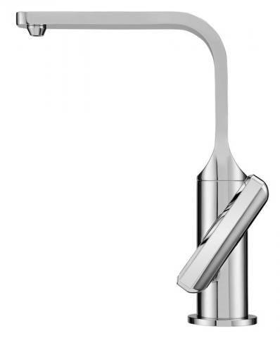 廚下型電解離子整水器_龍頭:無鉛材質極簡造型龍頭,避免日久使用溶出重金屬成分,在保障飲用水安全下兼備都會空間概念美學。  圖片提供_千山淨水