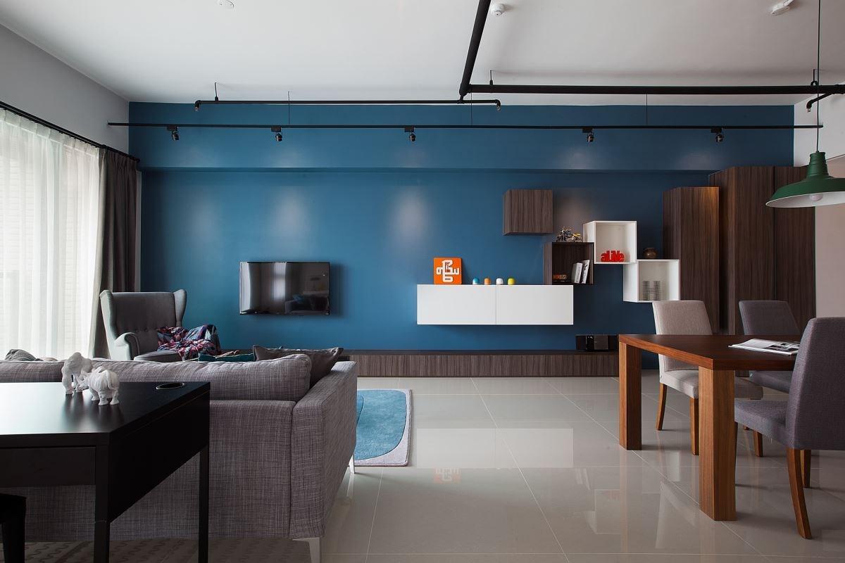 運用色彩搭配以及櫃體的進退面設計,就能創造出個性化十足的空間。