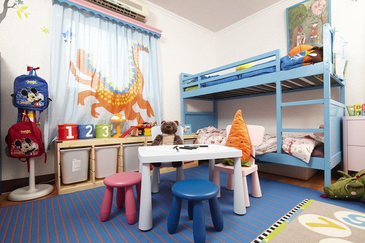 搭配家具家飾:MAMMUT 兒童桌椅、TROFAST兒童儲物櫃、NORDDAL 上下舖床框、MEJLBY 平織地毯