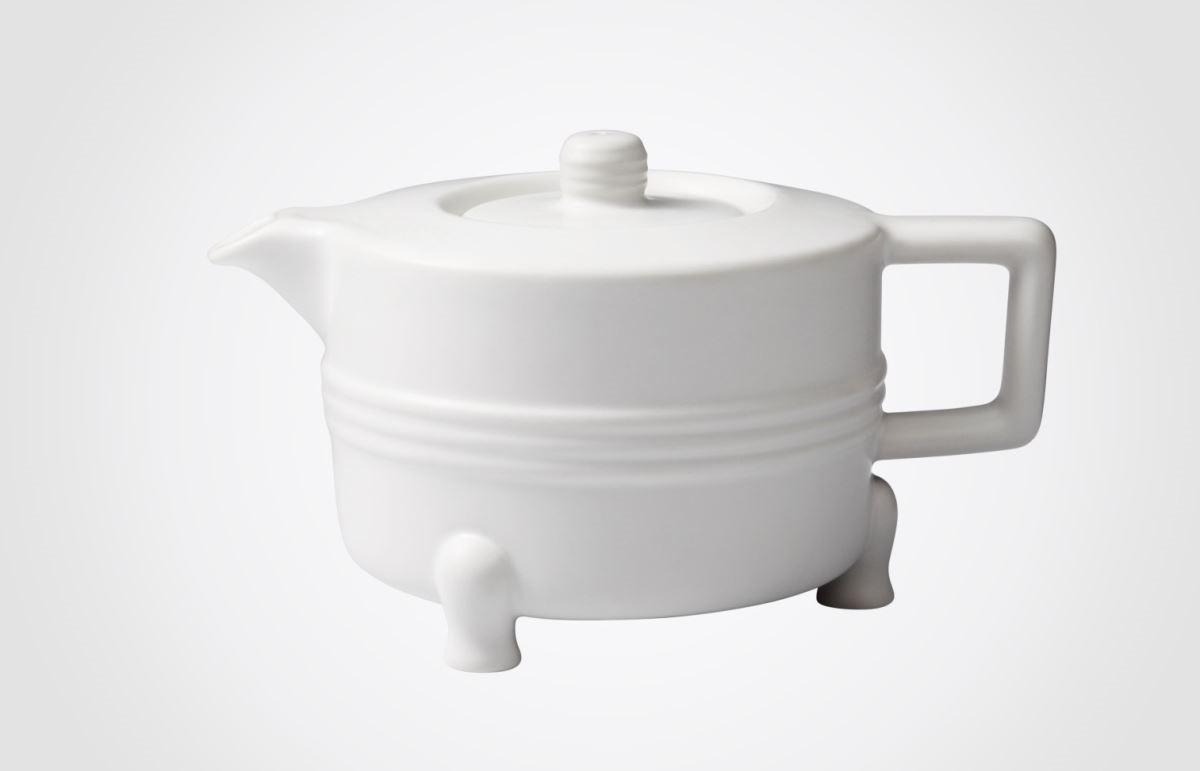 【弦紋茶壺】壺蓋弦紋呼應整體設計,同時具防滑隔熱效果,壺蓋上的氣孔,能隻手操作控制氣流,使茶湯能優雅隨心控制。圖片提供_器研所