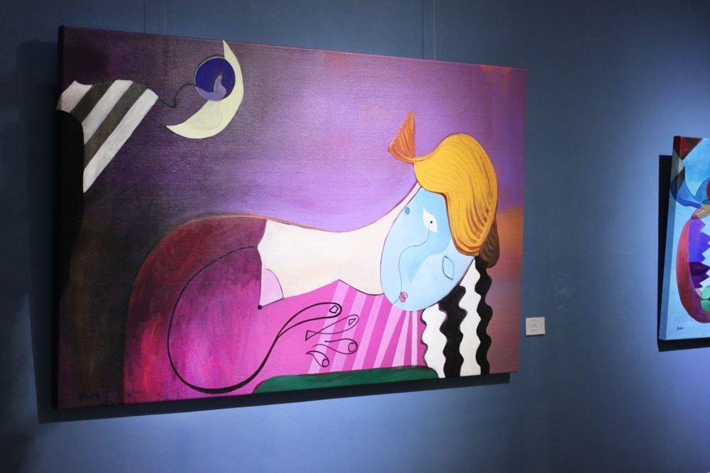 作品中,邵曉露運用大膽、鮮豔的色調,加上個人獨特的藝術語彙,傳達美和憐憫的訊息,以冷靜敏銳的態度,盼望製造出喘息的空間,表達人心中對應的感受。圖片提供_邵曉露