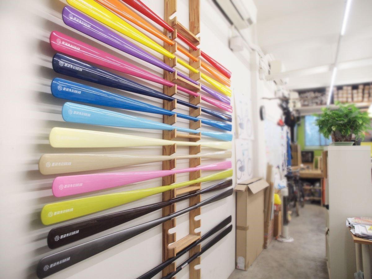 【格陵蘭式獨木舟槳】保留格陵蘭槳原始的特性,以碳纖與玻纖製程超輕量化高強度,同時抗海水侵蝕。兩截式的設計減低收納長度也方便攜帶。圖片提供_器研所