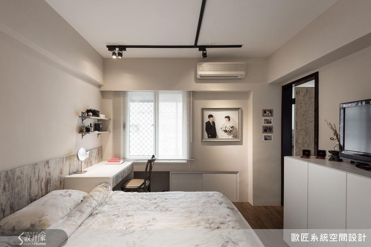 臥室內部延續了整體空間舒適清爽的氛圍,為居住者創造最紓壓療癒的睡眠環境。
