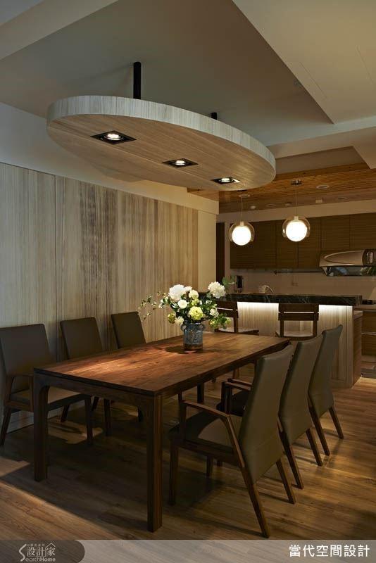 運用大量的木材質元素,搭配簡約的幾何造型設計,營造舒適的居家餐廳環境,不論是平日用餐或三五好友相聚,都能完整滿足。