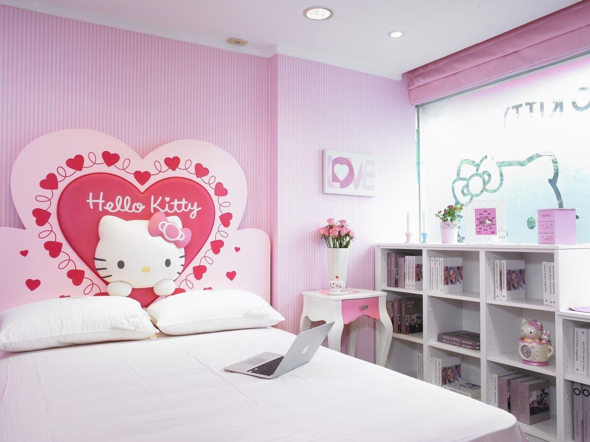 2015年歐德集團為了讓民眾感受 Hello kitty 夢幻王國的公主夢,用甫推出的新品 Kitty 系列傢俱,精心改裝打造了『 Hello Kitt y公主夢幻園地』,並已於5 月份在歐德傢俱Hello Kitty專賣店內正式開幕。