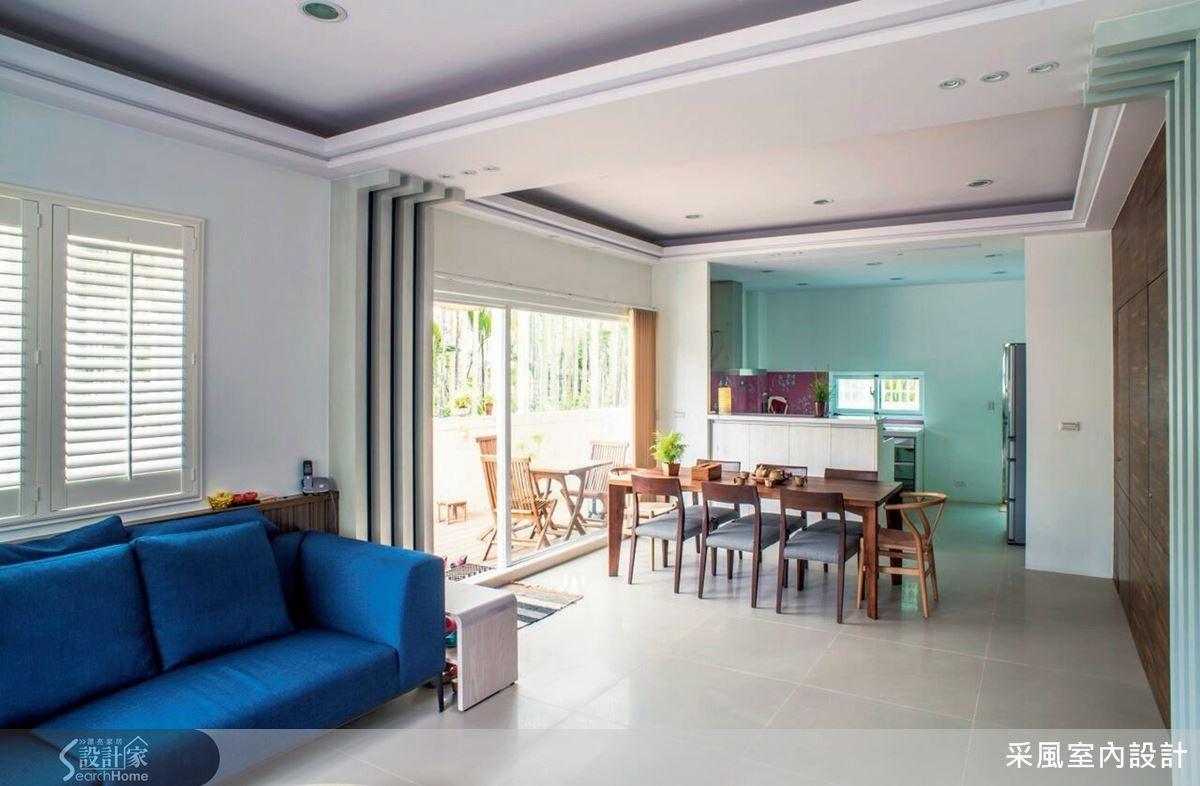 居宅內部融入清爽的地中海風情,儼然一處療癒感十足的世外桃源。