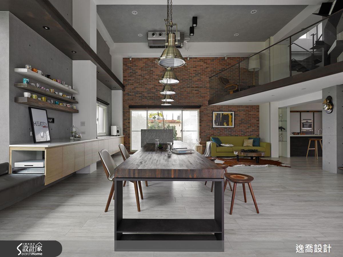 四層樓的宅邸當中,每一層空間都有不同的驚喜,卻又能形成巧妙和諧的共鳴!