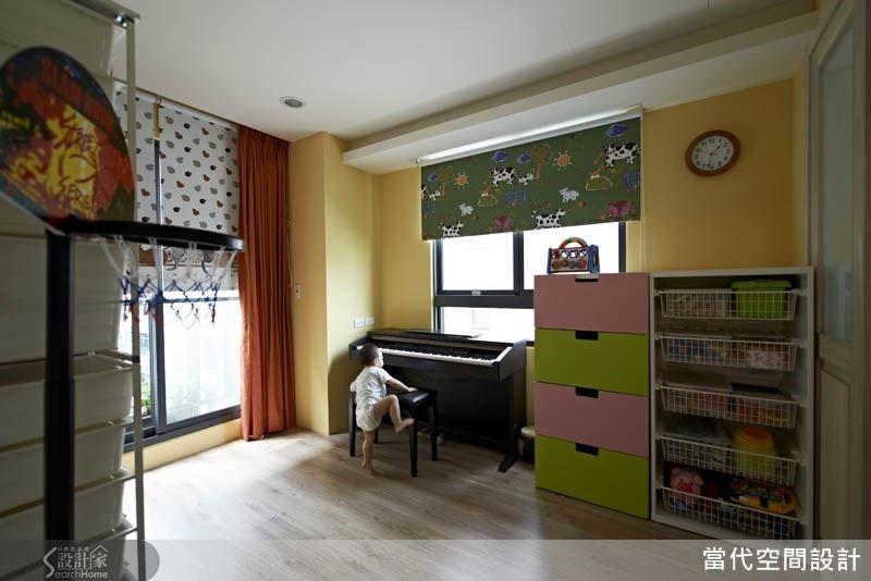 以活潑溫暖的鵝黃色打造兒童房,象徵著孩子快樂成長的童年時光。