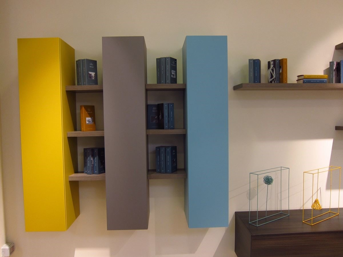 Colombini CASA 不只賣傢具,更提供傢飾、傢具到空間規劃的全方位服務,活用顏色的搭配,讓系統櫥櫃更具設計感。