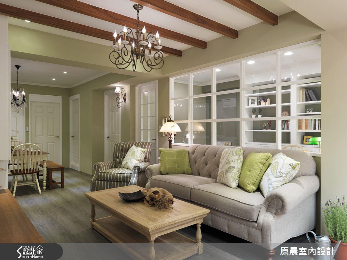 空間的軟件沙發、燈具等,是設計師陪屋主去一同選購,放心的打點一切。