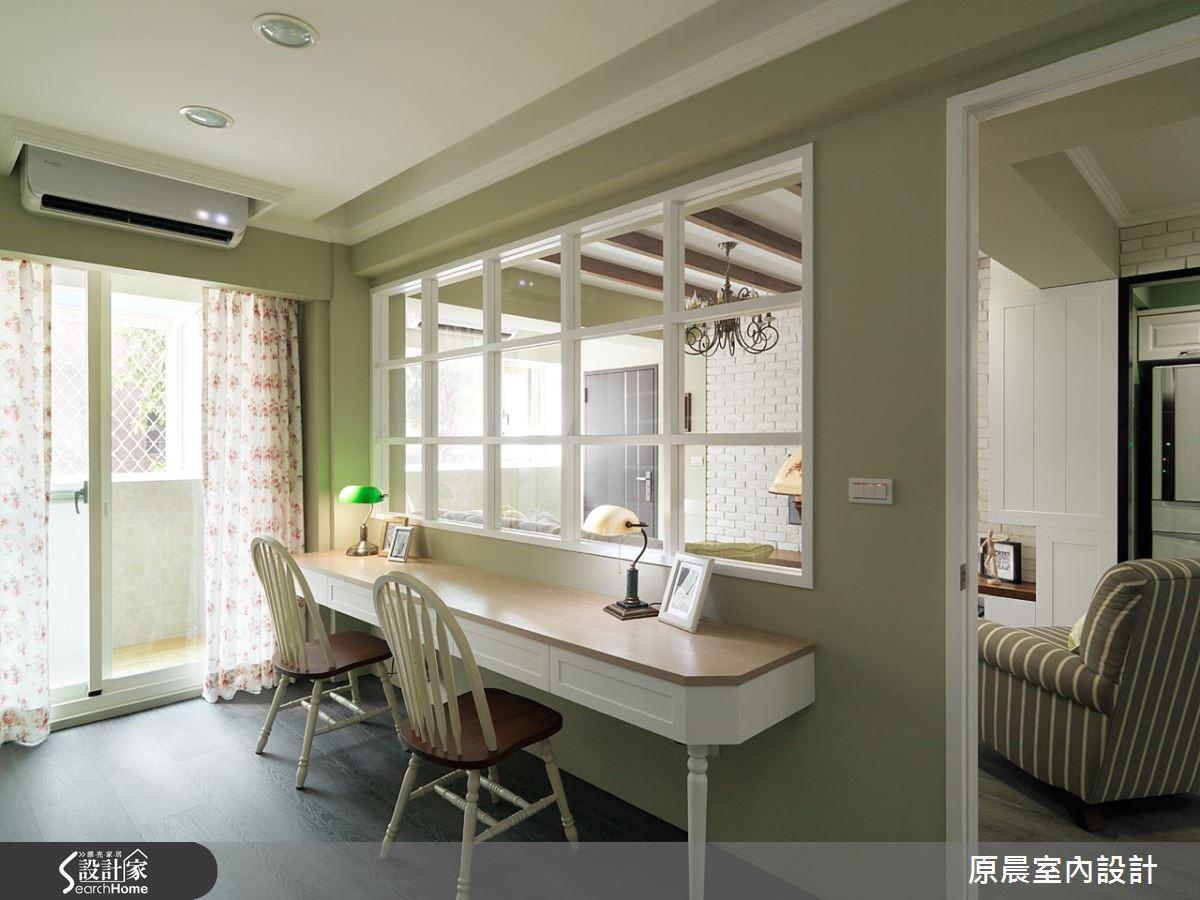 美式鄉村風需充足自然光線的灑入室內,這對台灣老式的建築格局來說,是一大挑戰,以這屋子為例,楊崇毅將格局調整,利用空間陽台成功引入陽光,打造出溫馨清新的輕美式鄉村宅。