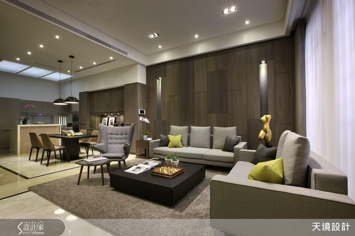 家具輝映大地色系,以抱枕點綴跳色亮點,創造宜人的空間色彩。