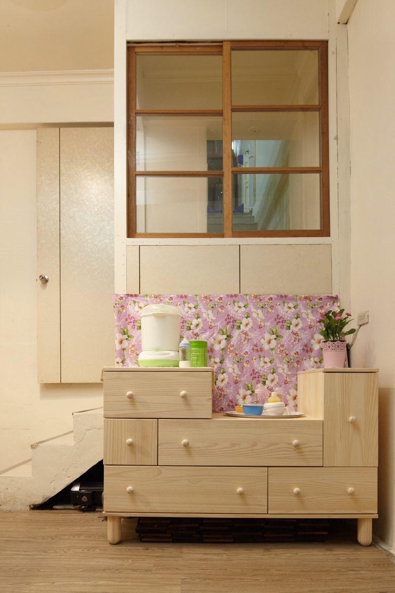選擇抽屜櫃打造出適合小朋友的安全生活空間,並滿足大人所需的收納。攝影_黃暉中