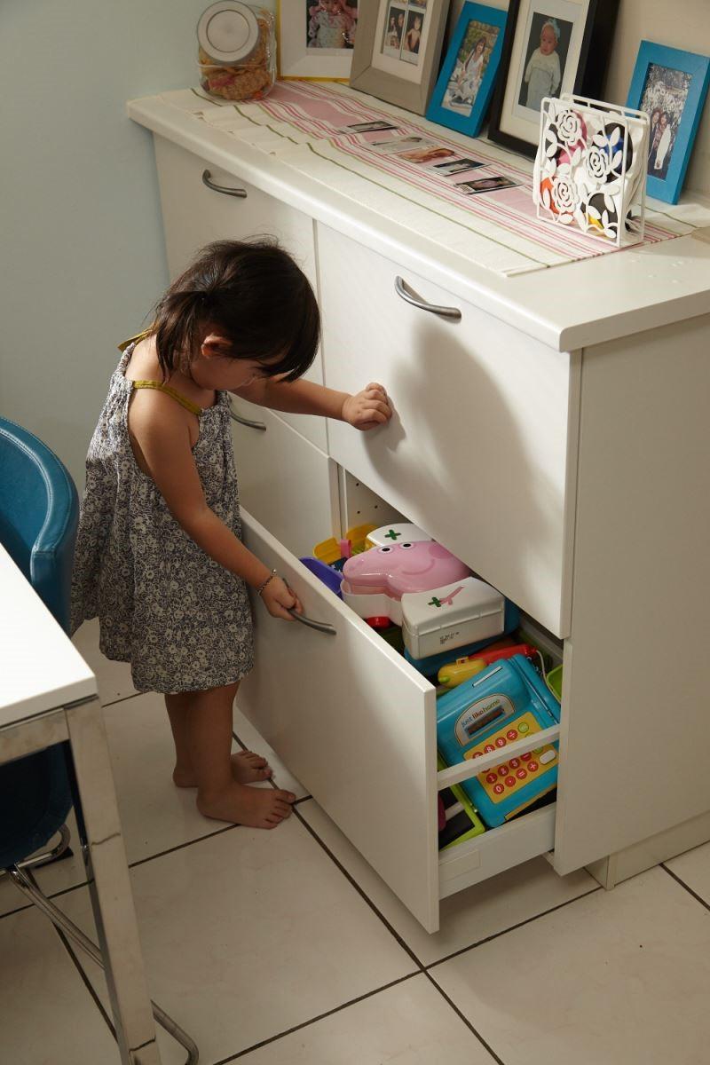 明亮又簡潔的櫥櫃不僅點亮了居家空間,也為生活中注入一股活力。攝影_黃暉中