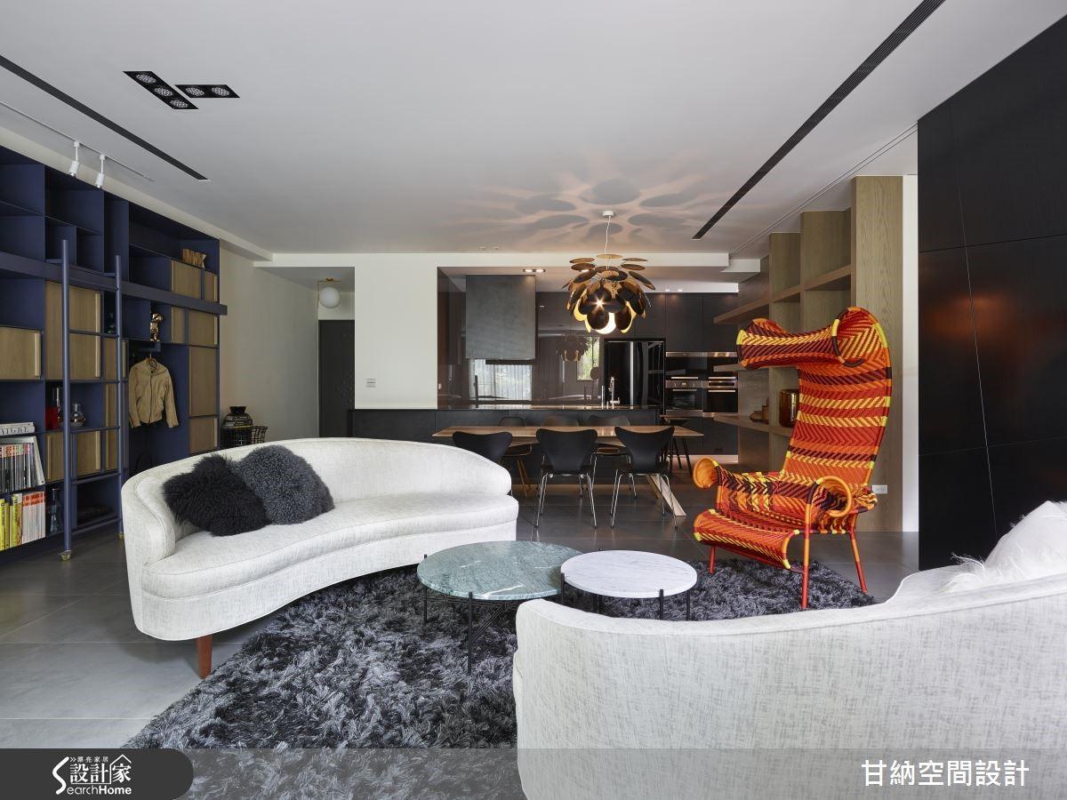 與很多設計師的傳統做法不同,林仕杰與陳婷亮並不會先入為主強調電視「主」牆,也不刻意把電視牆當成華麗裝飾焦點,而是從居住者的生活情境,思索空間的重心。