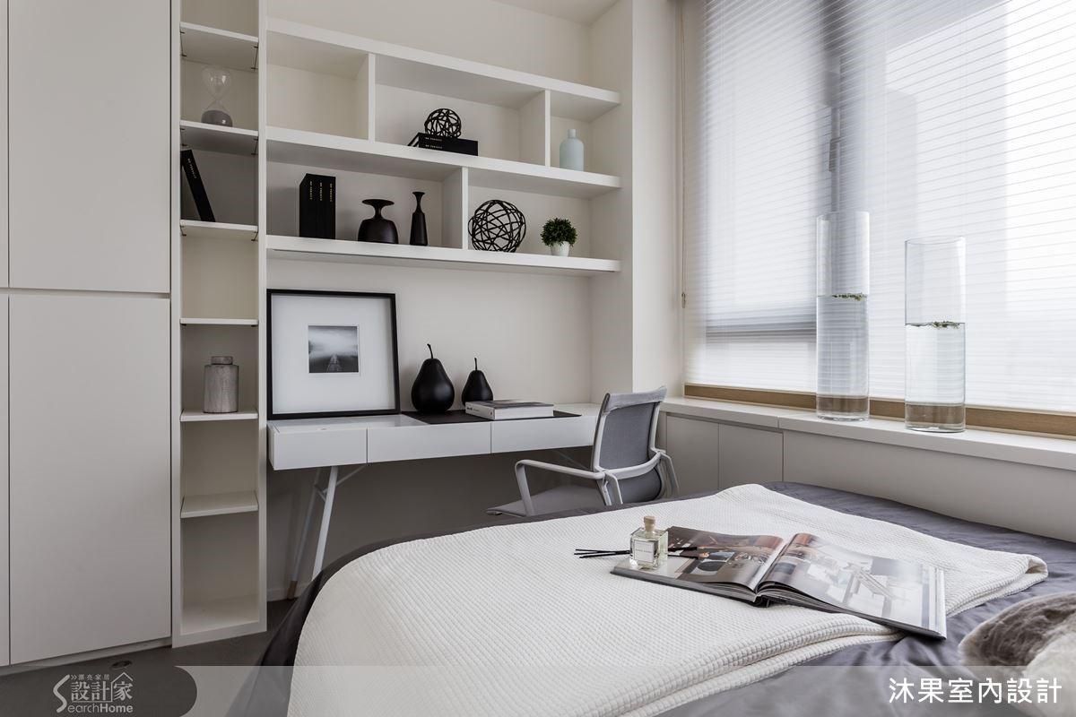 小孩房功能主牆外推於外與廚房櫃體平行,於內成就書桌與書櫃的使用功能。