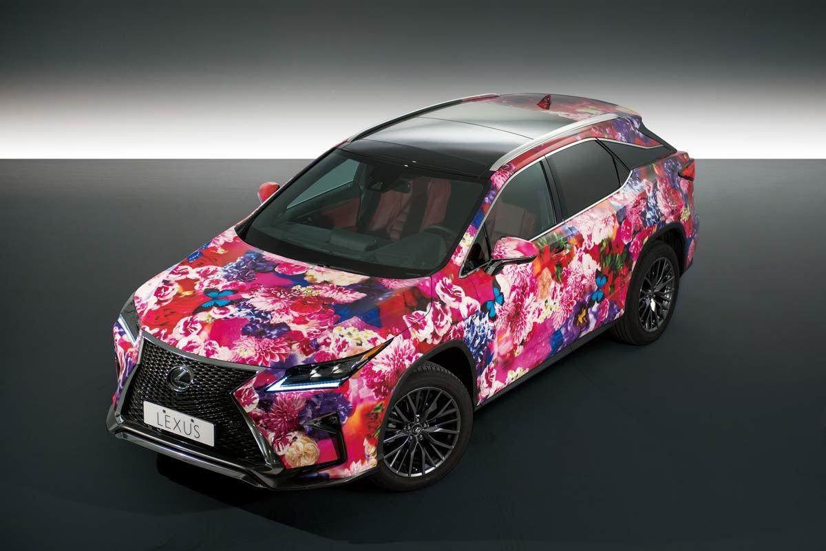 LEXUS與蜷川實花打造全球最絢麗的RX彩繪車。