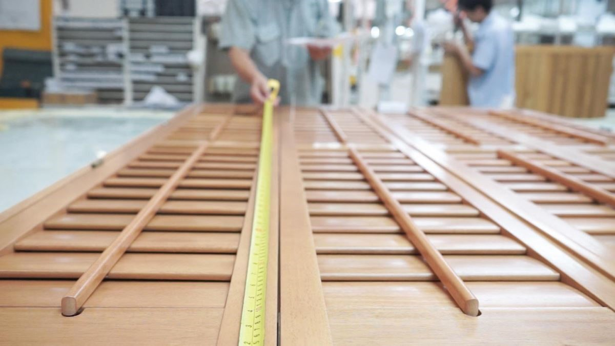 極為細膩與嚴謹的產品生產過程,為您打造如工藝品般高品質的 NORMAN Shutters。更有專業的產品規劃師,可免費到府丈量進行窗型規劃。