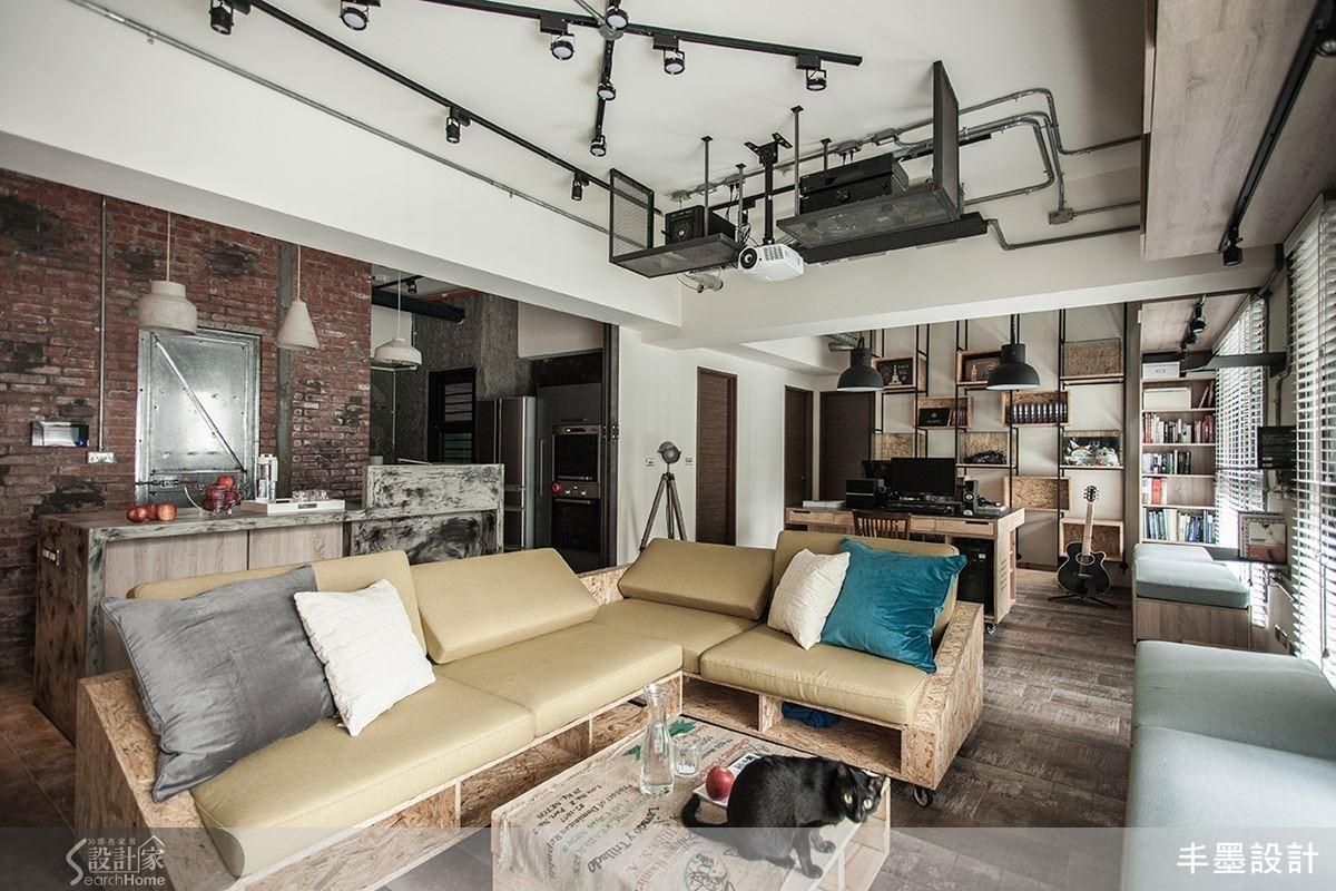 空間設計的輕重緩急,在住宅中要避免壓迫感,管線外露要理出條理分明的線條,包含轉接蓋的圓、方造型都須現場依美感判斷,考慮視覺的舒適度,住起來才能徹底放鬆感受舒適。