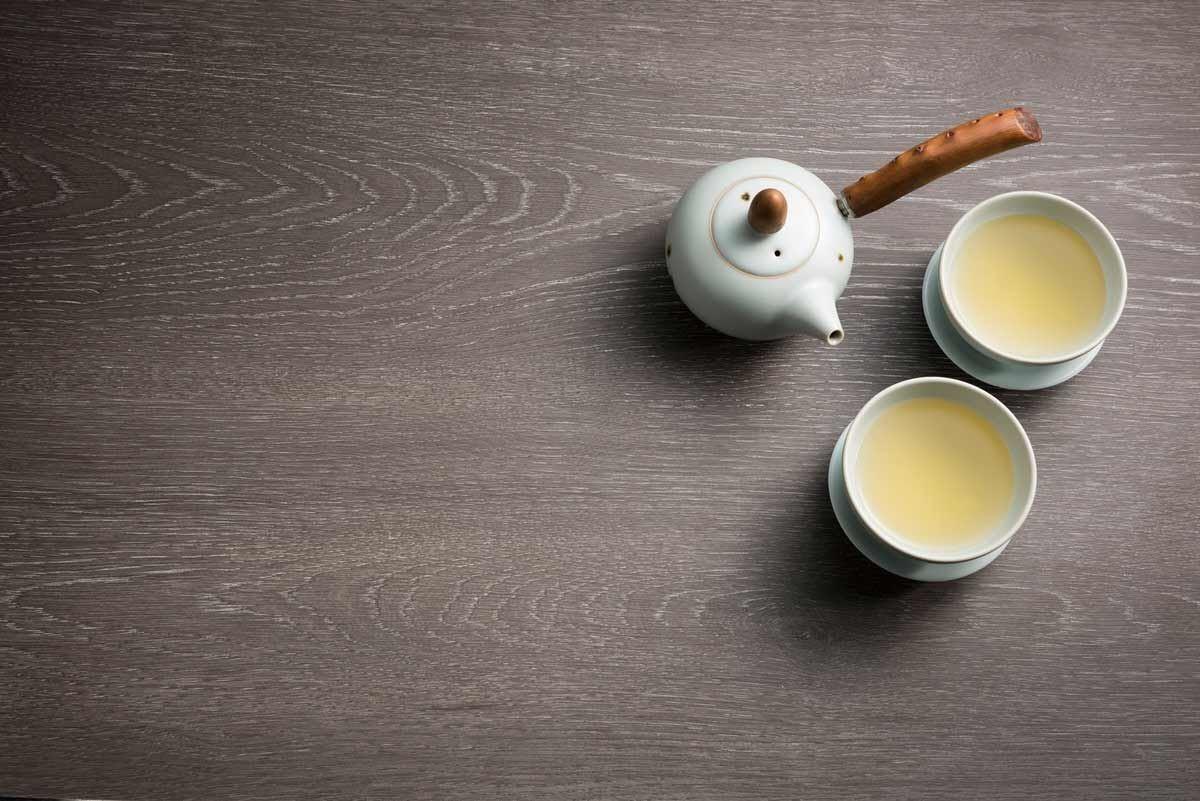 【406 棕橡洗白 Oak Rovere】-典雅的咖啡色,有著大地氣息,為空間增添自然氛圍,在陽光的投射下,成為溫暖柔軟的佐色,將居所的樣貌調和成愜意、優雅的身心饗宴。