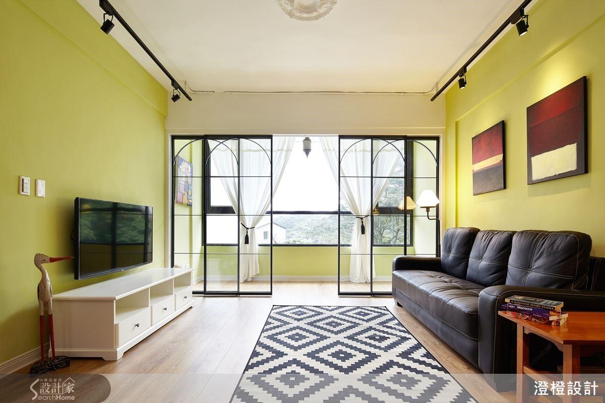 突破男性住宅黑白灰的制式印象,打造充滿異國風情的居家風貌。