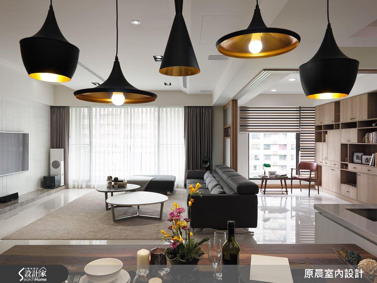 同系列不同款式的燈具,則有形體上的變化,高低有致是另一種特殊的室內風景。