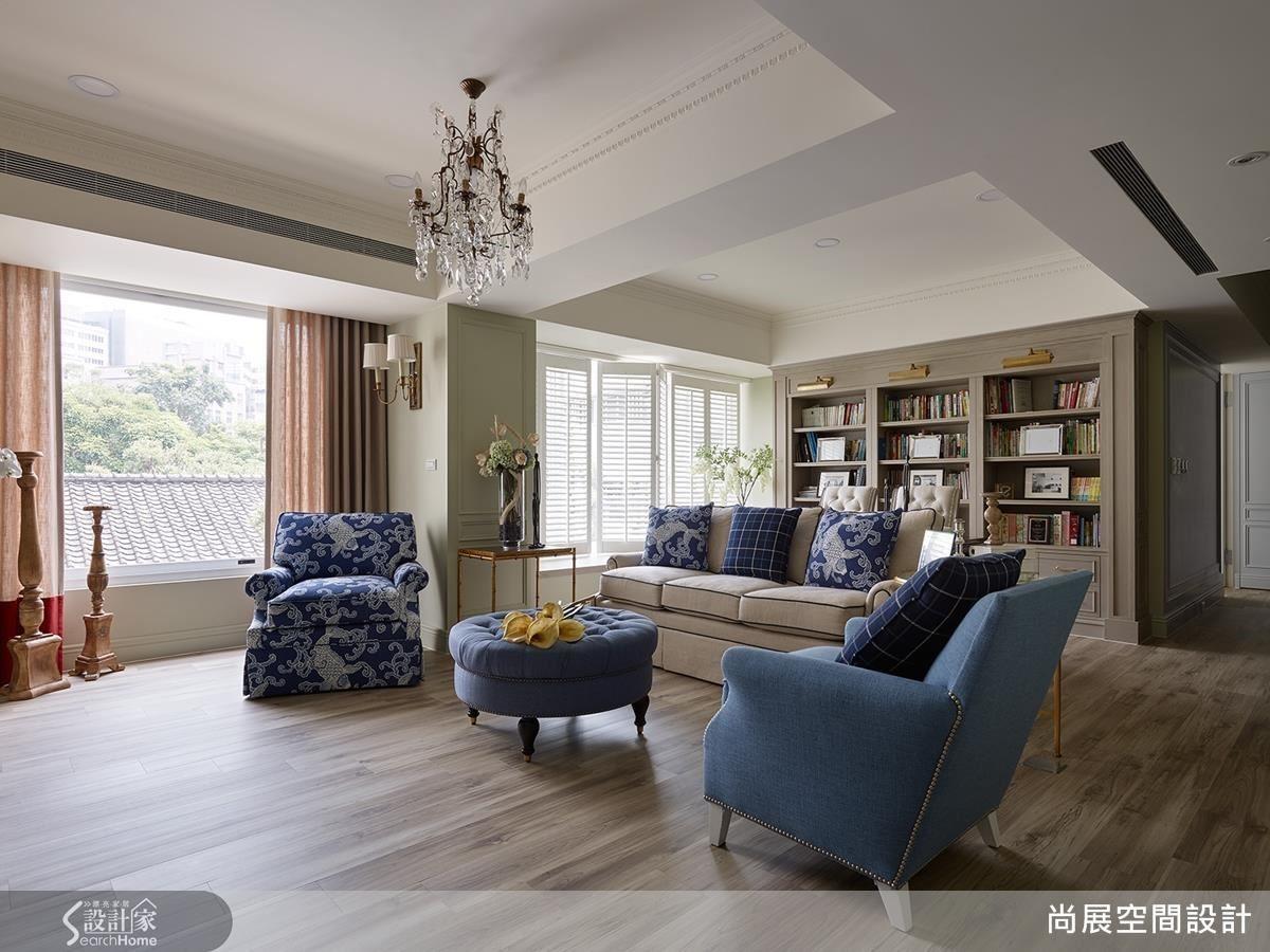 保有天花樑柱線條,維持屋高與空間感,並給予溫和色彩,使整體和諧不衝突,塑造沉靜氛圍。