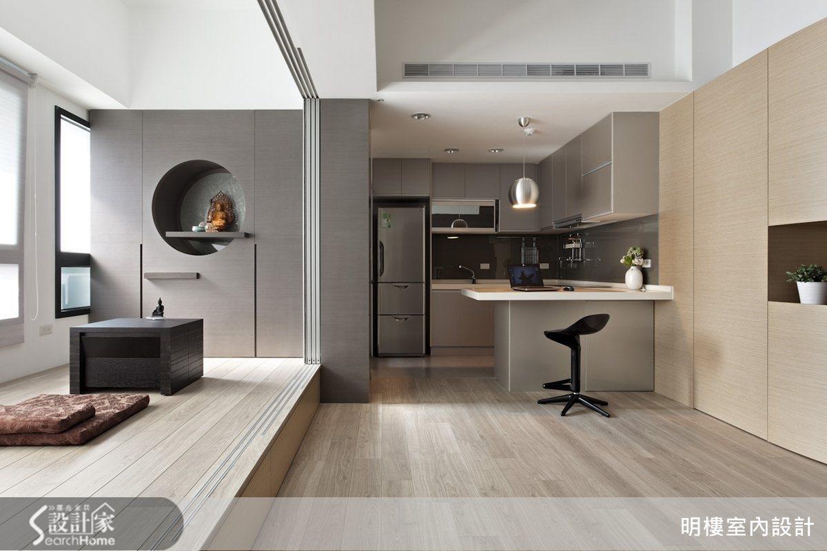 在地坪與櫃體大量應用木質元素,用大地色系創造清新美感。