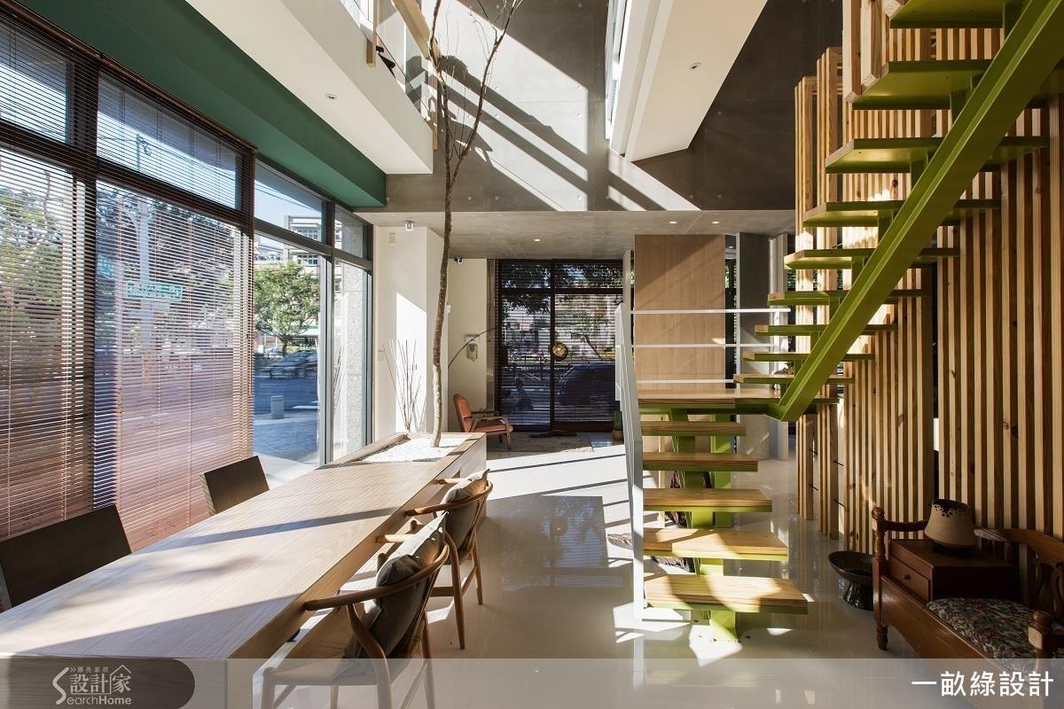 注重生活感的一畝綠設計,在辦公室融合日光、樹影、木質等元素,讓屬於自然的氣息在空間恣意流淌,工作環境也充分體現休閒時尚的氛圍。