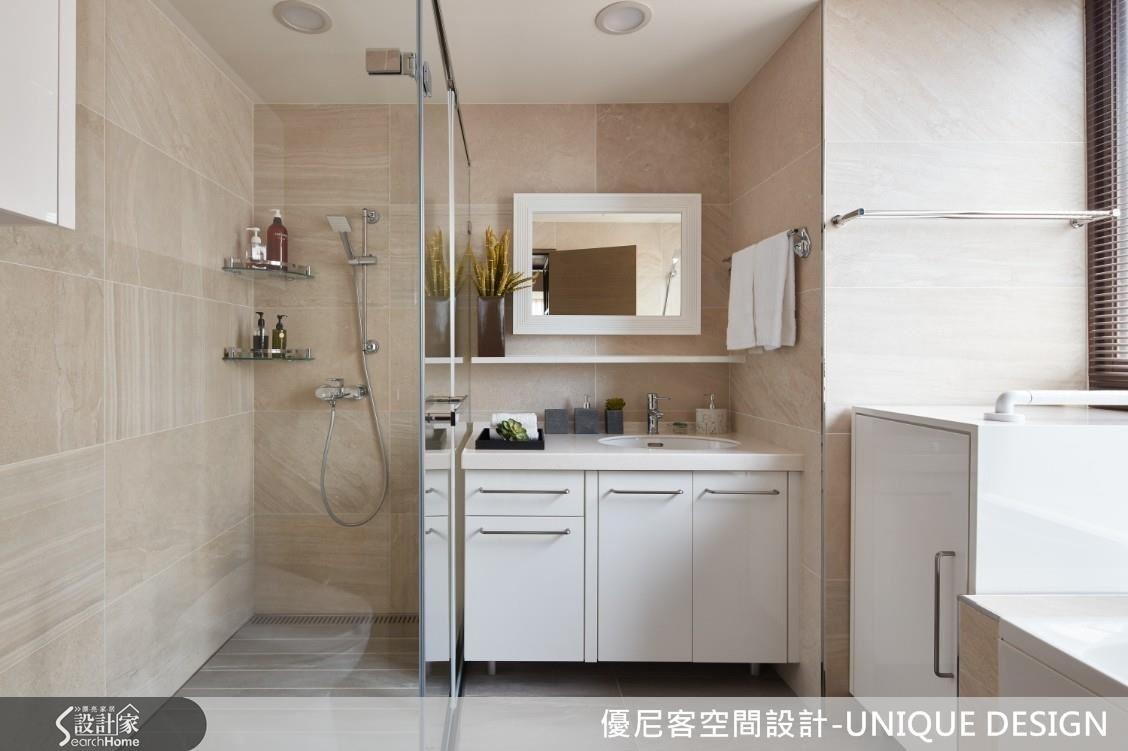 亂紋義大利進口磁磚,仿石材效果勾勒自然氛圍,並設置日式浴缸滿足生活想望。