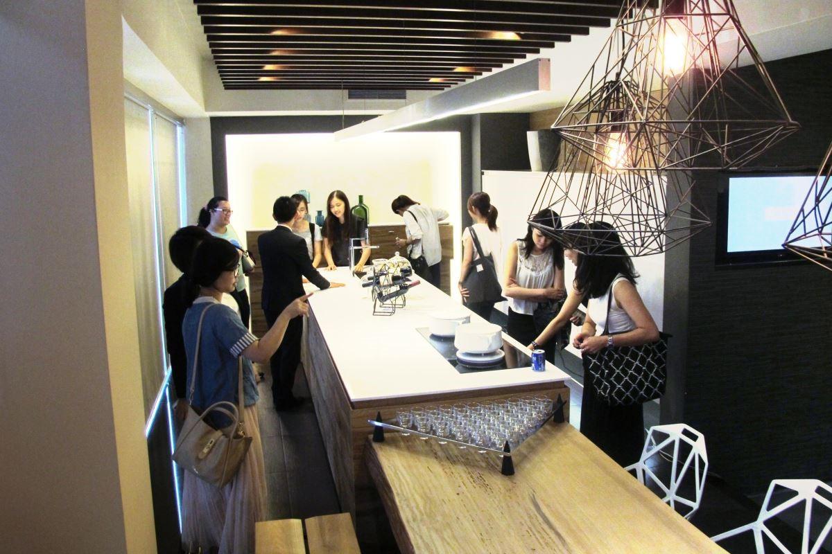 發表會規劃明確的樓層分佈及瀏覽動線, 1 樓展示最新代理的德國廚具品牌 Schroder 施羅德。