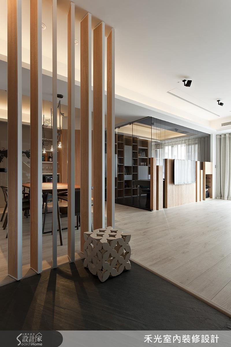 以木質格柵手法營造穿透視覺,如同置身自然,一任光影嬉舞。