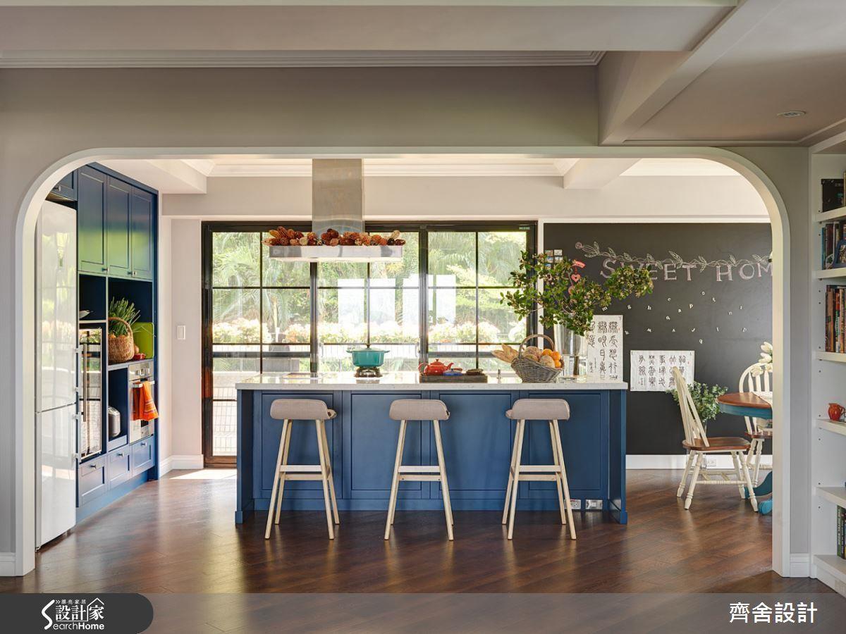 若生活習慣吻合,可選擇結合吧檯與廚房功能、直接將洗滌、調理與爐檯置於中島檯面的設計。