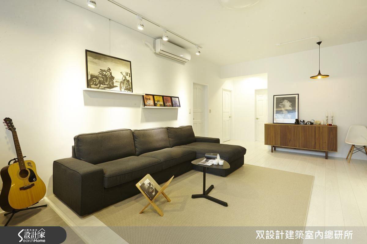 直接在原始樓板天花板裝設燈具的做法,如此一來,就能保留原有的屋高了。