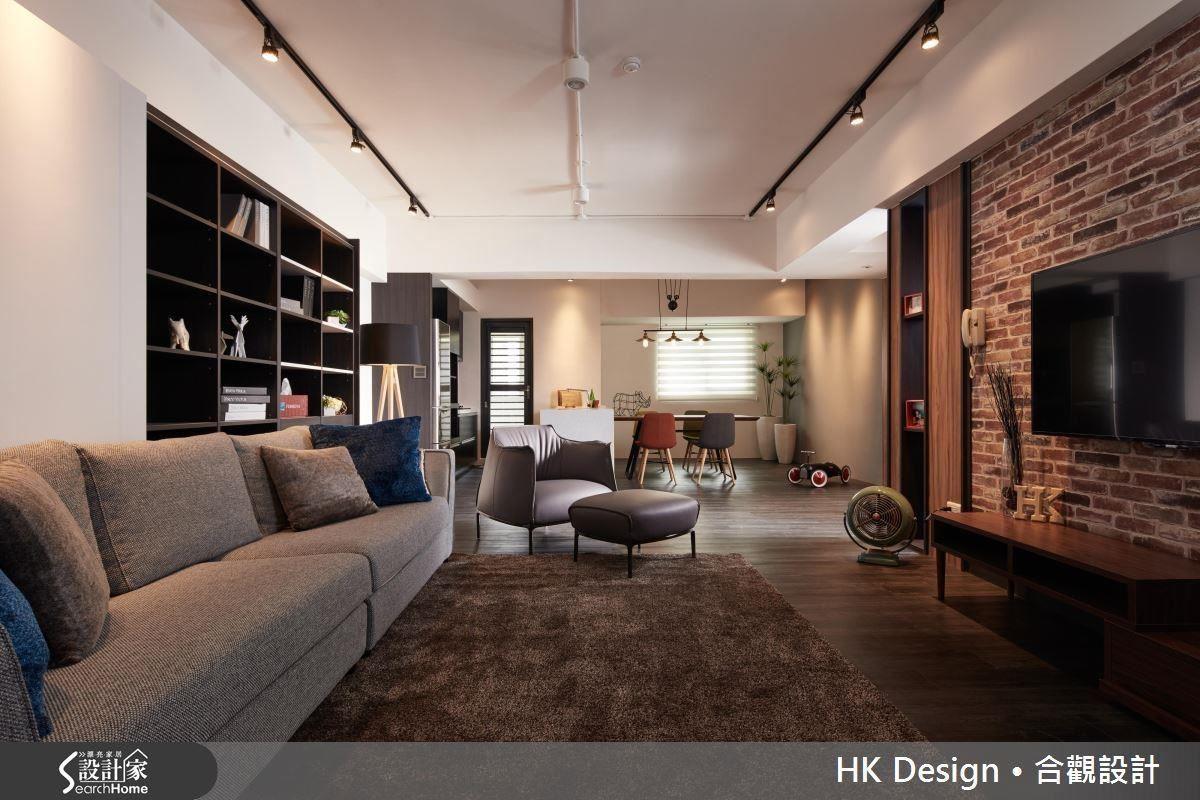 老公寓將客、餐廳與廚房整合為一個開放場域,不僅能達到放大空間的效果,也能提高使用頻率。