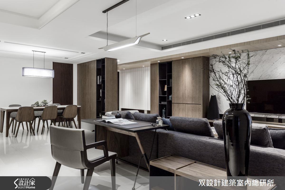 開放式設計的客餐廳是此宅款待客人的舞台。客廳與餐廳之間避免設置櫃體,以免妨礙這兩區的交流。