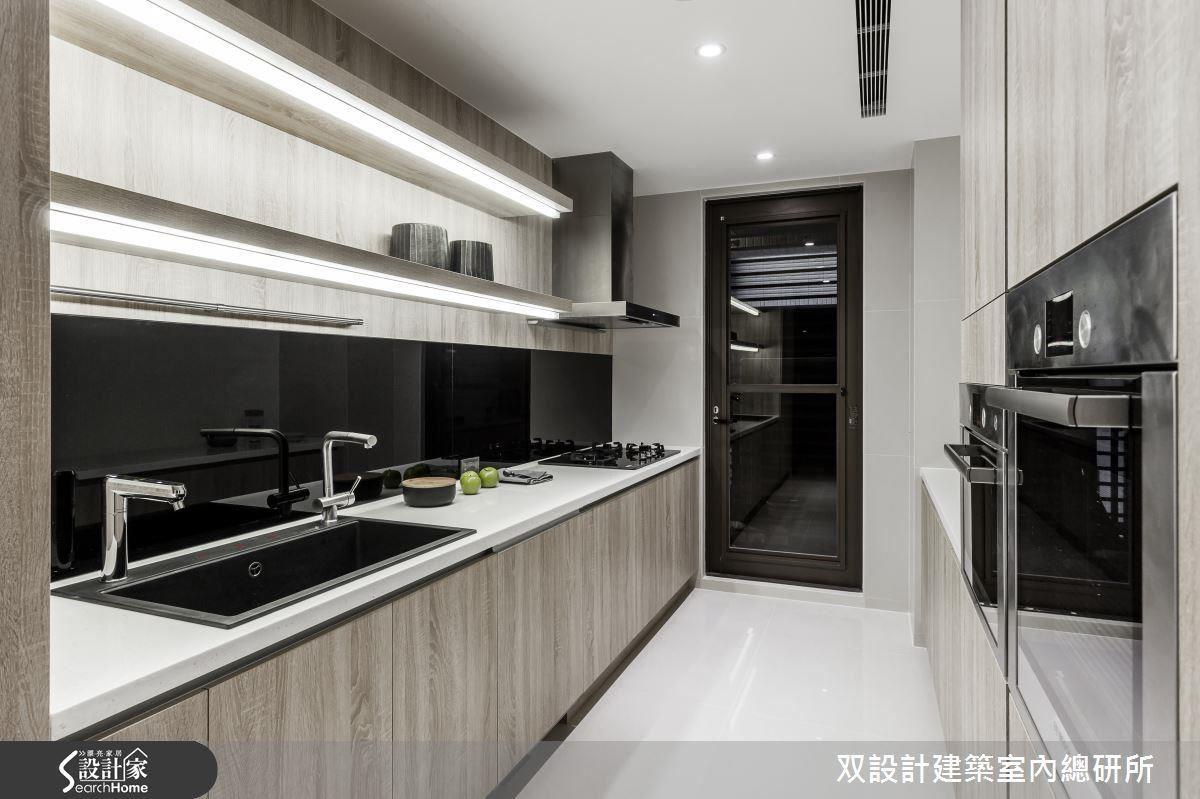 廚房的無死角照明,切菜、作菜都不會有陰影來干擾了。